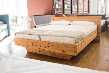 Zirbenholz - Bett
